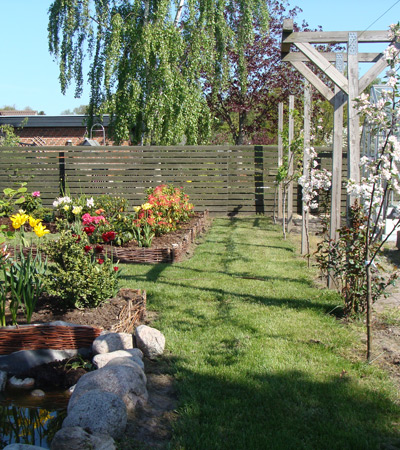 Gartnerservice trustrup   tilbør til haver, bænke, borde, krukker ...